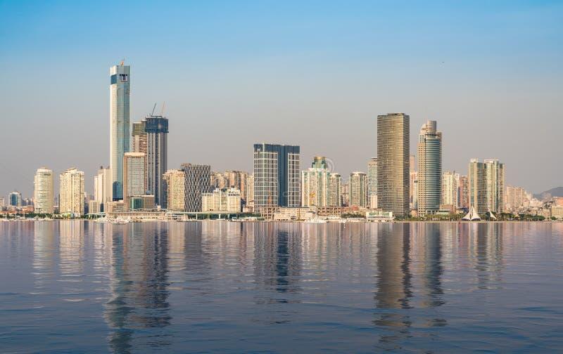 厦门的地平线有人为海洋的 免版税库存图片