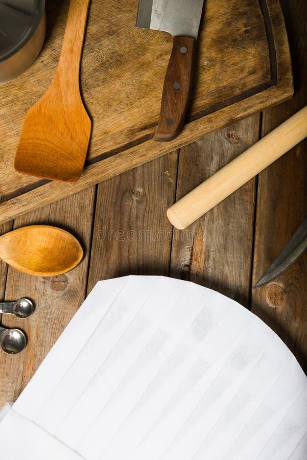 厨师帽子和木匙子 库存图片