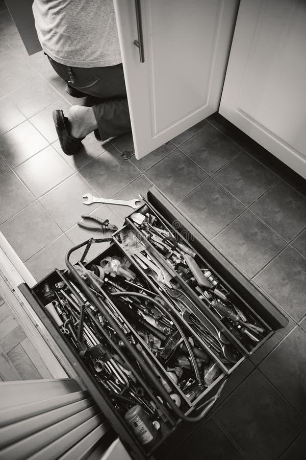 厨房为服务的工作者 图库摄影