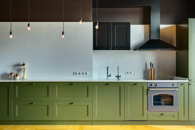 厨房现代样式 免版税库存照片