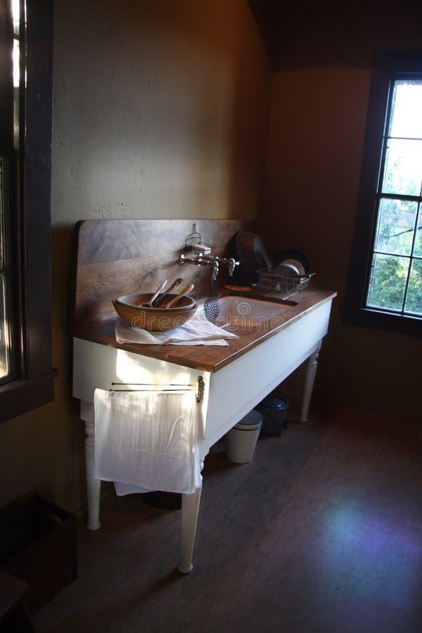 厨房老水槽 库存照片