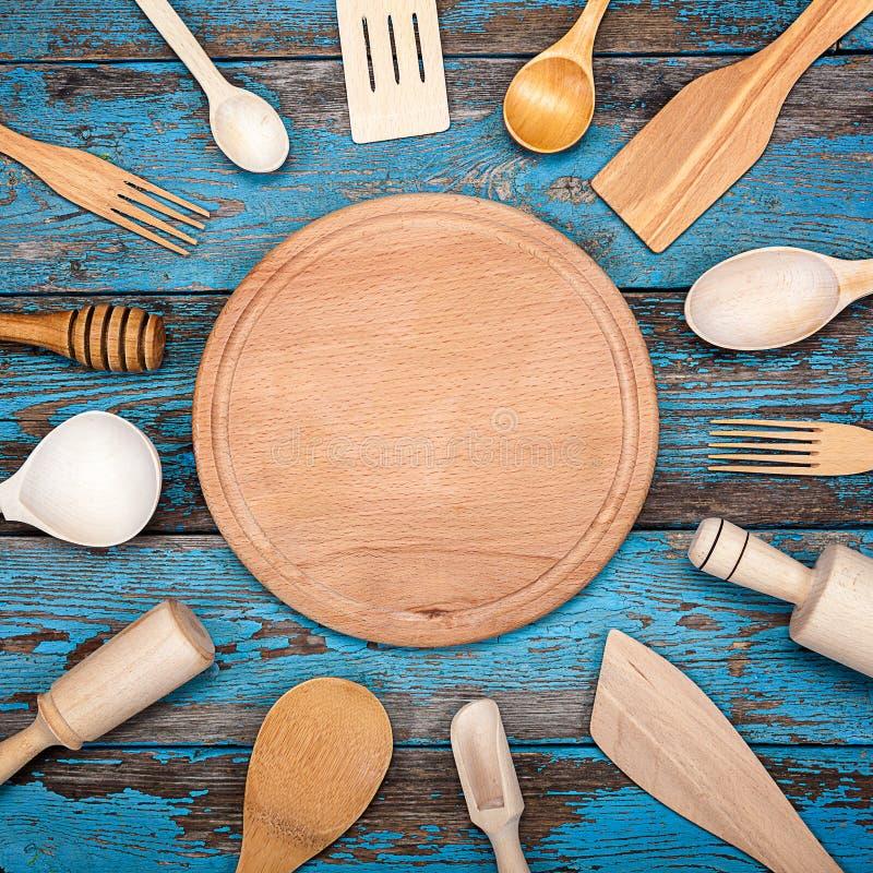 Download 厨房集合器物 烹调的辅助部件 库存图片. 图片 包括有 browne, 服务, 烹调, 实施, 项目, 叉子 - 72354535