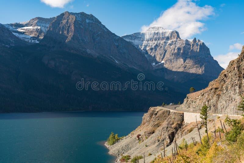 去太阳路和Saint Mary湖,冰川国家公园 库存照片