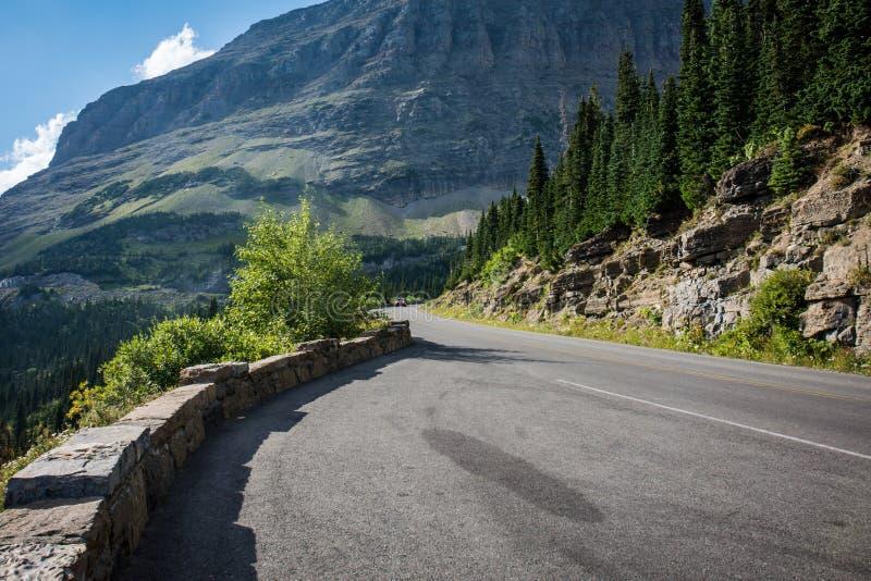 去太阳路在冰川国家公园蒙大拿 图库摄影