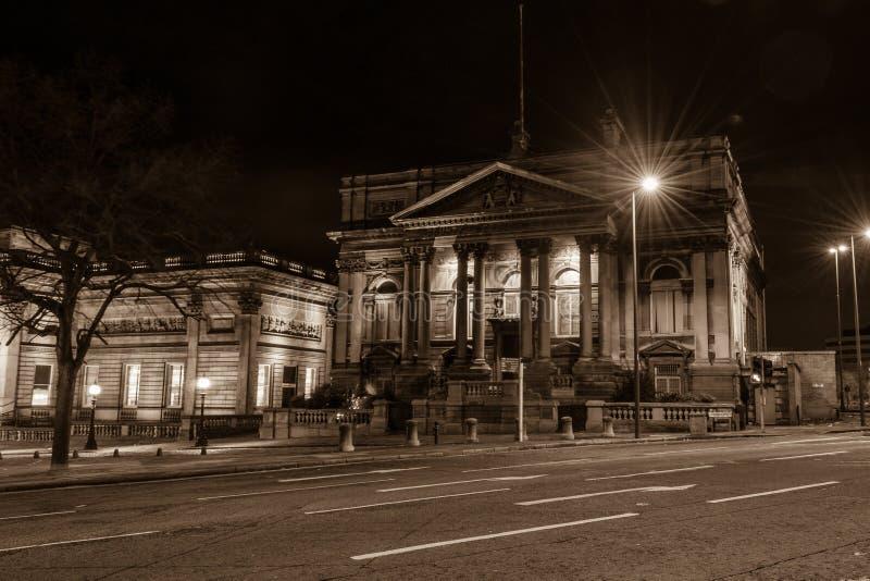 Download 县会议议院在夜之前 编辑类库存照片. 图片 包括有 历史记录, 都市, 地标, 晚上, 欧洲, 门面, 拱道 - 62534973