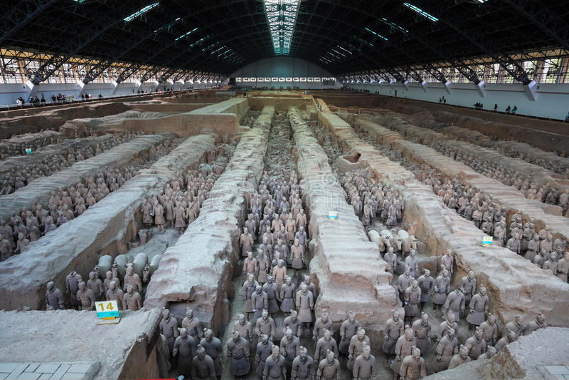 县赤土陶器战士和马 库存照片
