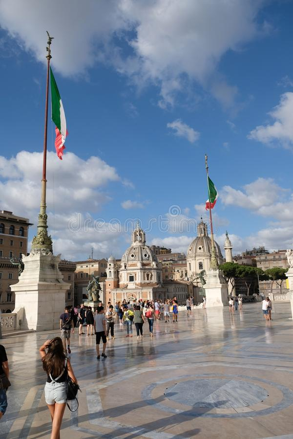 参观在广场Venezia的Vittoriano,罗马,意大利 免版税库存照片