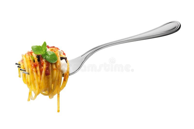 叉子用意粉面团无盐干酪茄子蕃茄和蓬蒿 免版税库存图片