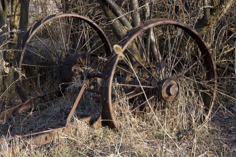 及时埋没的农场设备 免版税图库摄影