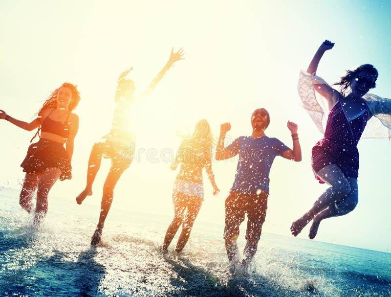 友谊自由海滩暑假概念 库存图片