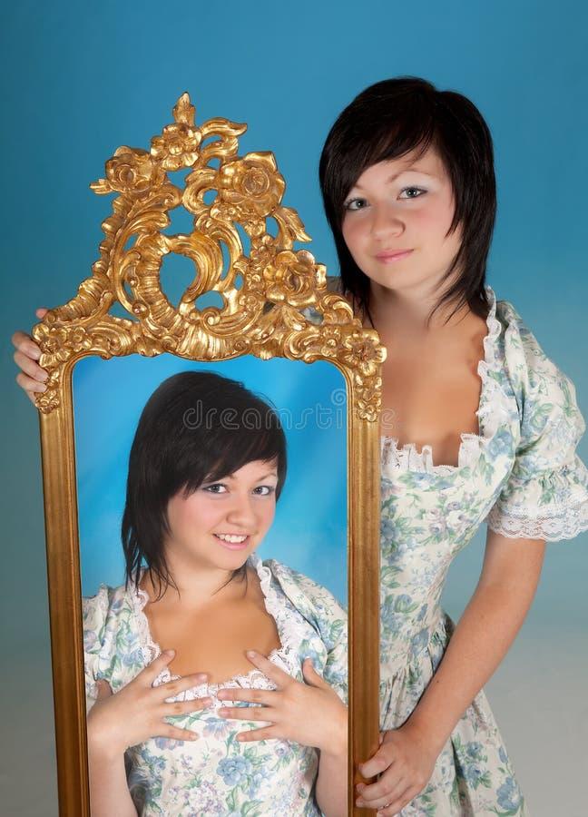 双子星座妇女 免版税库存图片