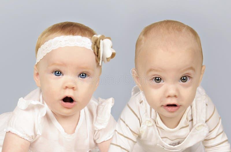 双小兄弟和姐妹 免版税库存图片