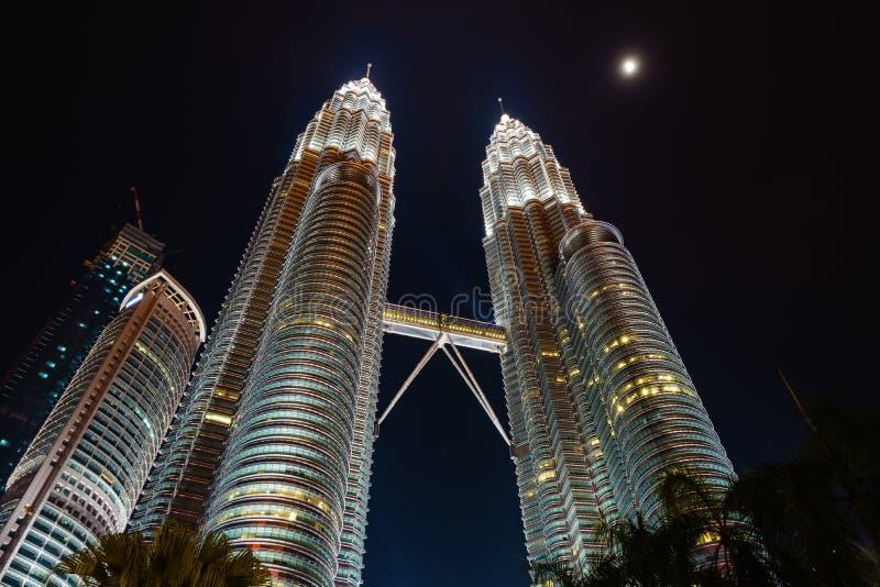 双峰塔在KLCC,吉隆坡-马来西亚的晚上 库存照片