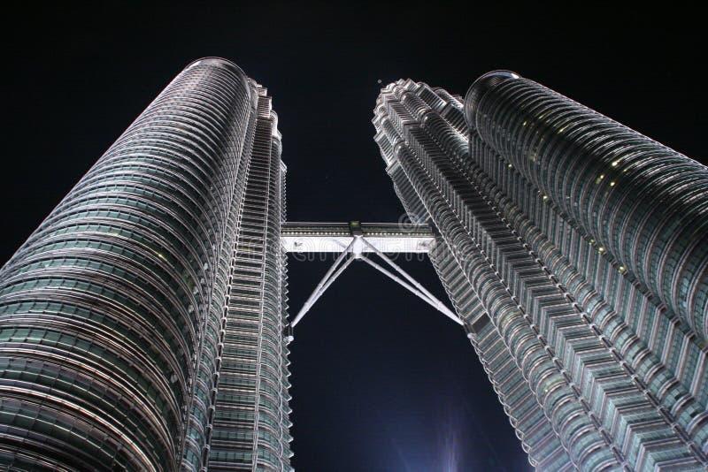 双峰塔或Menara Berkembar天然碱在吉隆坡,马来西亚 免版税库存图片