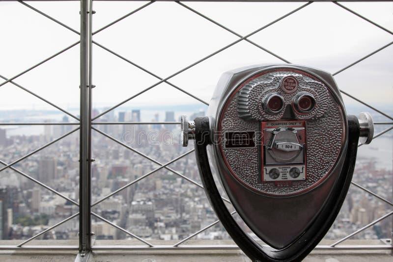 双筒望远镜铸造 免版税图库摄影