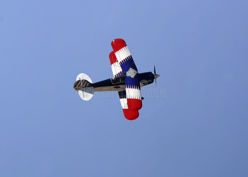 双翼飞机蓝色红色白色 库存照片