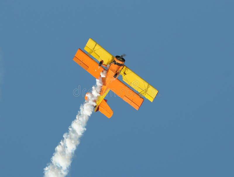 双翼飞机黄色 免版税库存照片