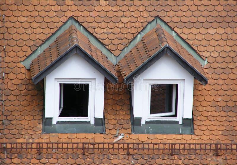 双重斜坡的四边形屋顶 免版税库存照片