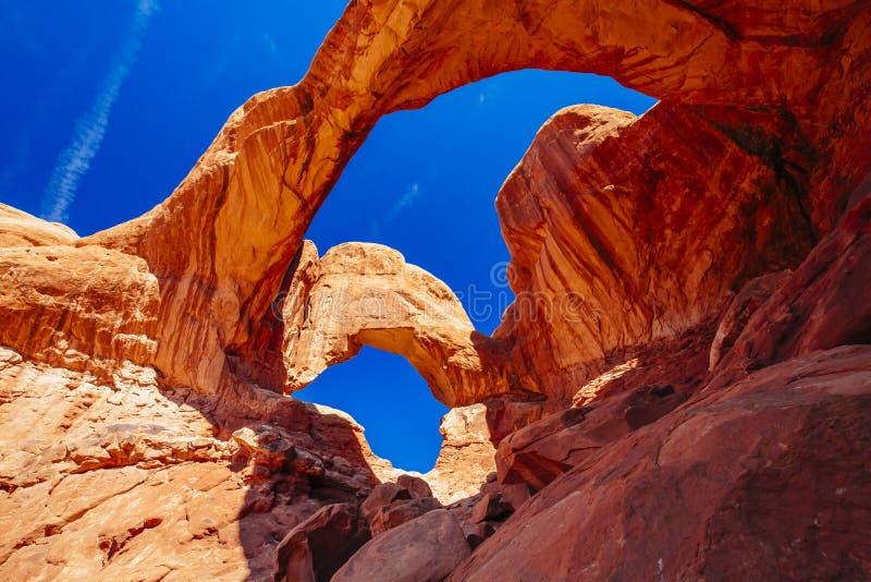 双重曲拱在拱门国家公园,犹他,美国 库存照片
