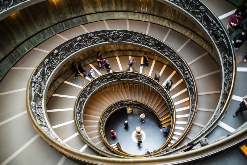 双重螺旋楼梯在梵蒂冈的梵蒂冈博物馆在罗马意大利 库存图片