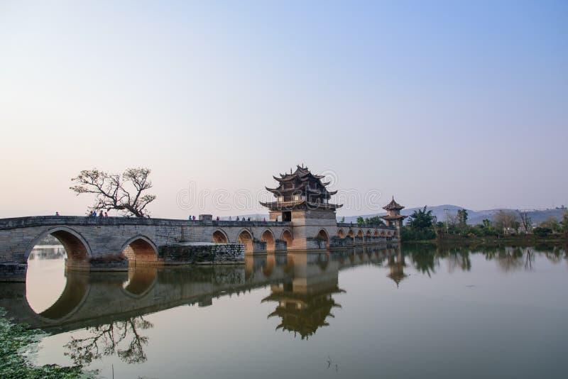 双重龙桥梁 免版税库存图片