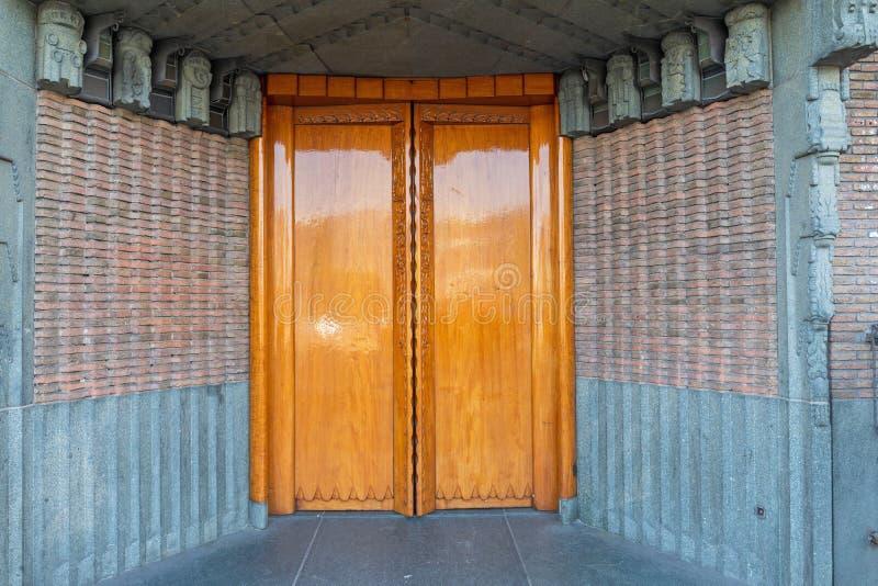 双门入口 免版税库存图片