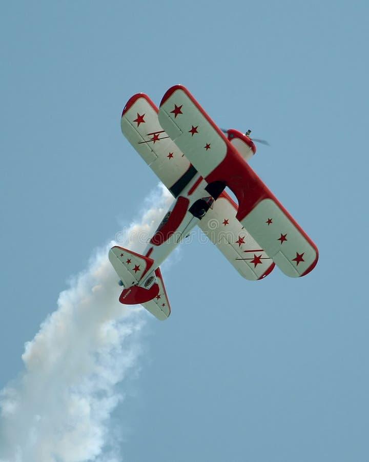 双stearman飞行的飞机 库存图片