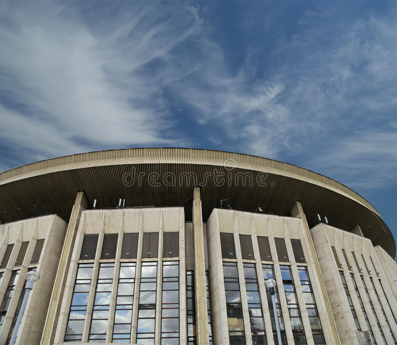 反对天空的奥林匹克体育场,莫斯科,俄罗斯。 库存照片