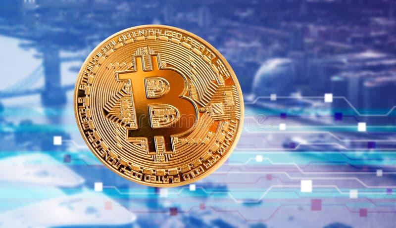 反对摩天大楼的bitcoin -未来派聪明的城市- cryptocurrency概念 库存例证