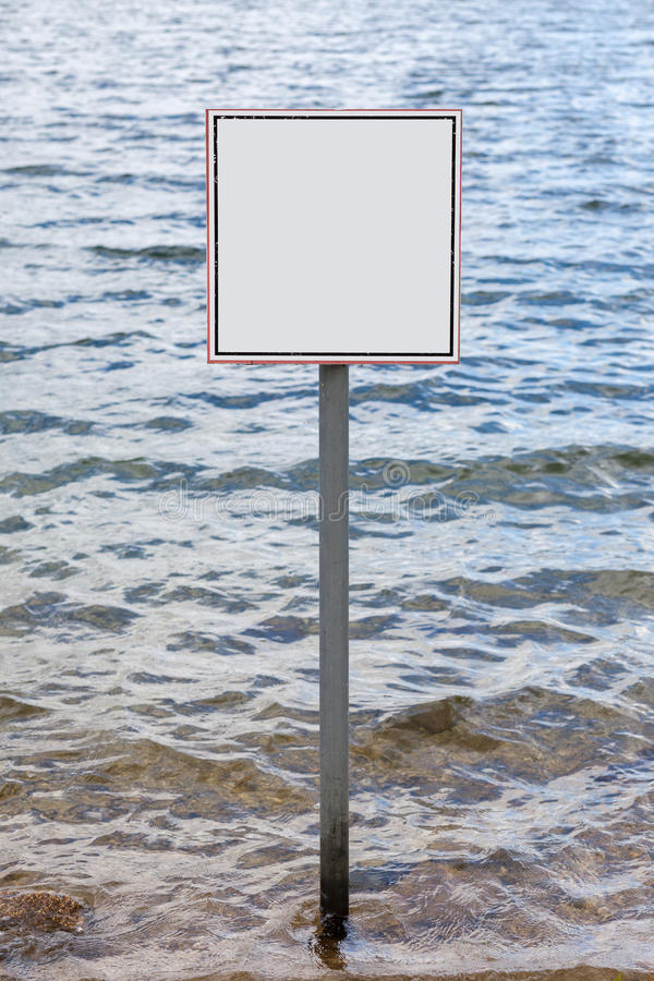 反对波浪的方形的空白的标志 库存照片