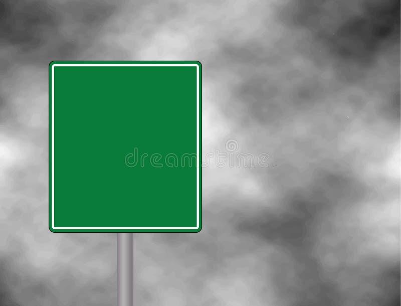 反对黑暗,多云和隆隆响的天空的一个空的绿色交通标志 您的文本空间和消息的标志 Ve 向量例证