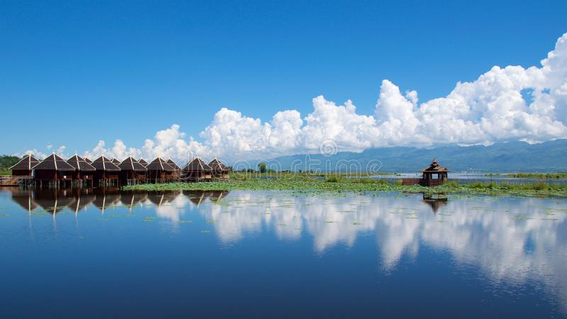 反射喜欢在Inle湖的镜子缅甸的 图库摄影