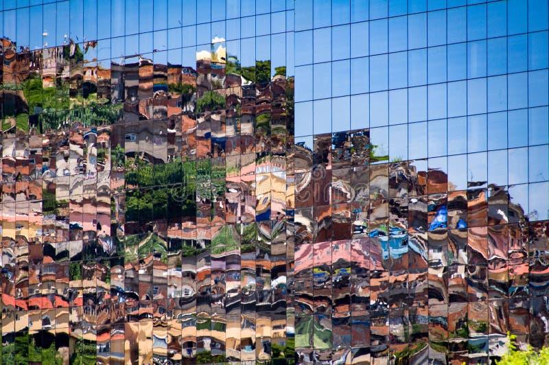 反射在Windows的贫民窟 免版税库存图片