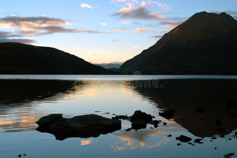 反射性的湖 免版税库存图片