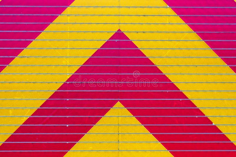 反射性盘区黄色红色危险警告紧急背景 免版税图库摄影