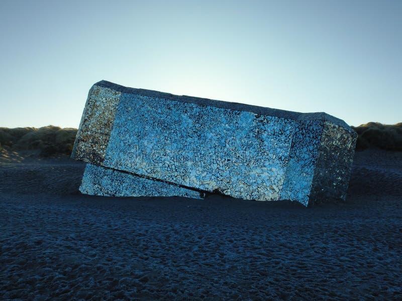反映在海滩的地堡-敦刻尔克,法国 免版税库存照片
