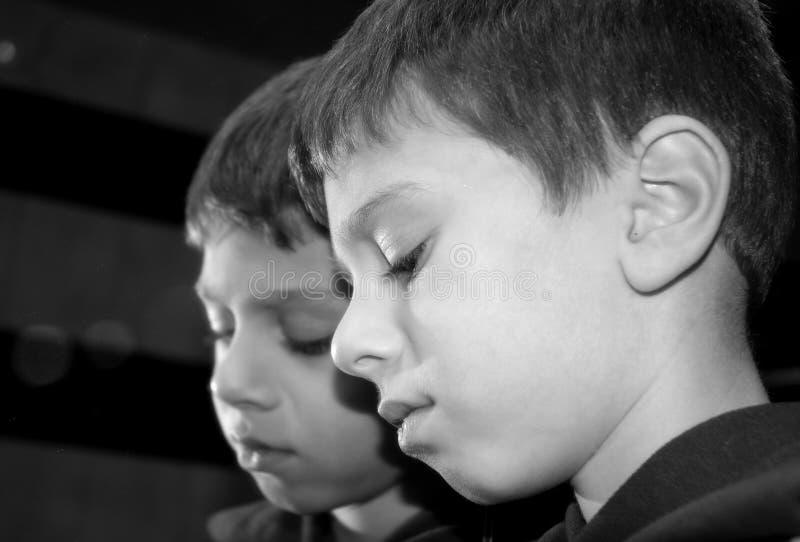 Download 反映 库存照片. 图片 包括有 表达式, 配置文件, 反映, 男朋友, 哀伤, 想法, 小孩, 反射, 子项, 镜子 - 57328