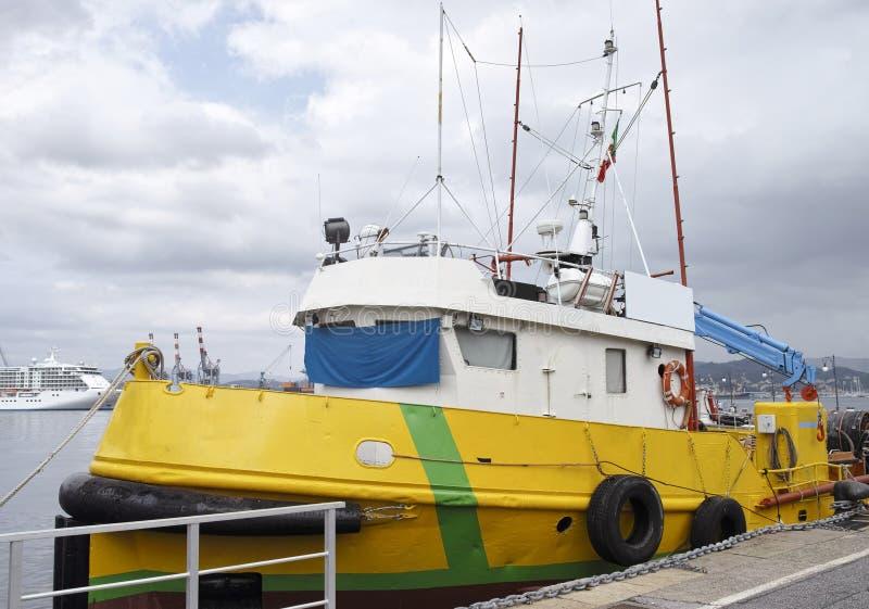 反空气污染的小船细节  免版税库存照片