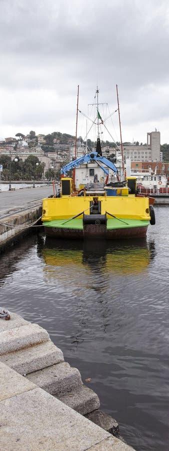 反空气污染的小船细节  免版税库存图片