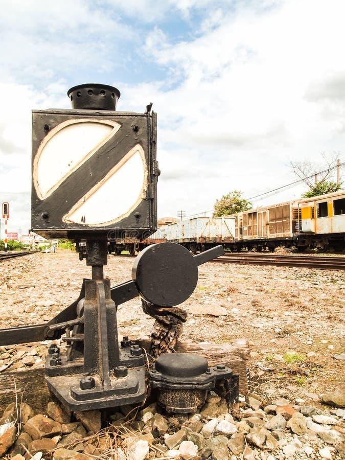 发信号火车的老灯箱 免版税图库摄影