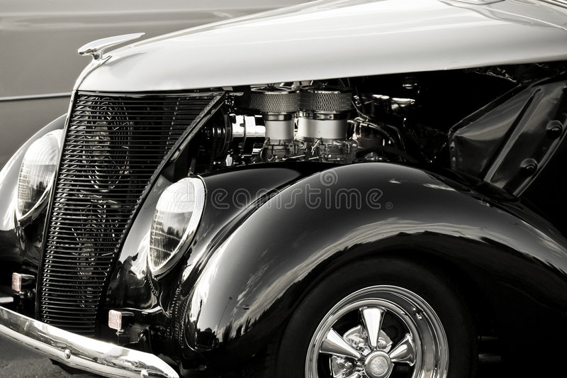 发光古色古香的汽车 图库摄影