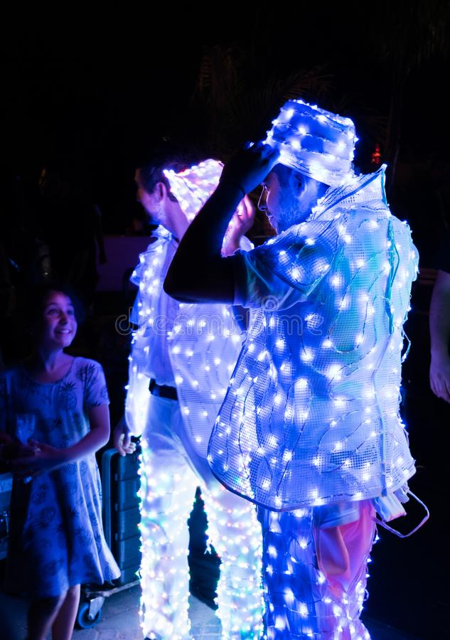 发光的礼服的未定义演员 免版税库存照片