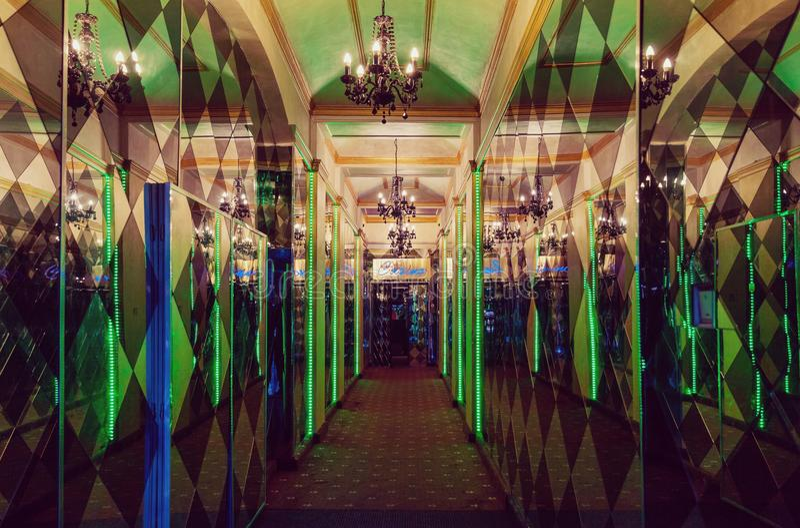 发光的豪华赌博娱乐场入口 库存图片