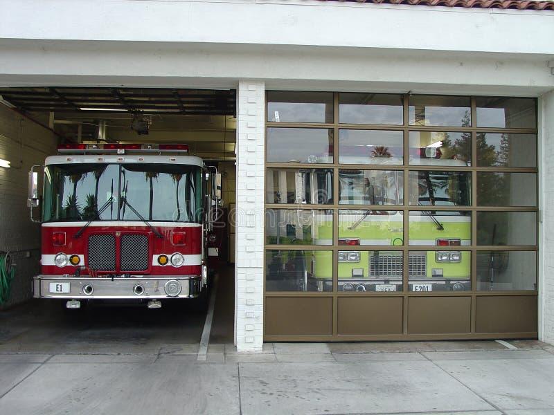 发动机起火房子 免版税库存图片