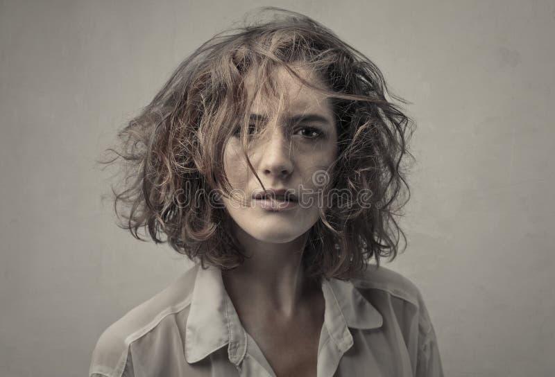 头发杂乱妇女年轻人 免版税库存照片