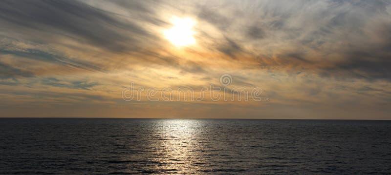 发烟性日落Bunbury西方澳洲全景  库存照片