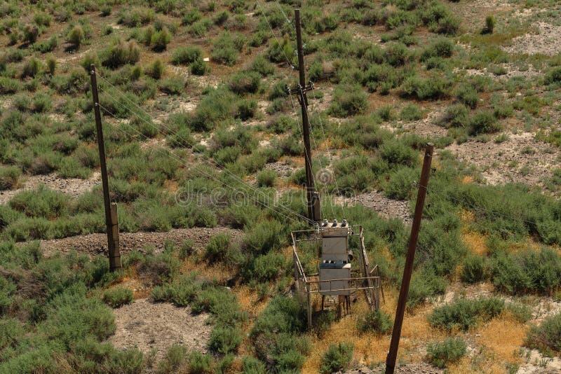 发电站和三根柱子从上面观看 库存照片