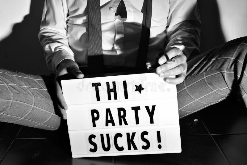 发短信给这个党吮在lightbox 库存图片
