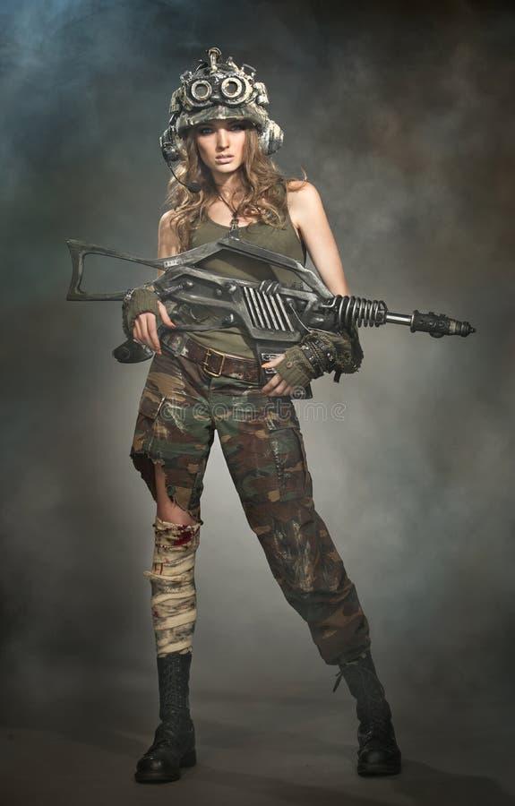 受伤的妇女战士 免版税库存图片