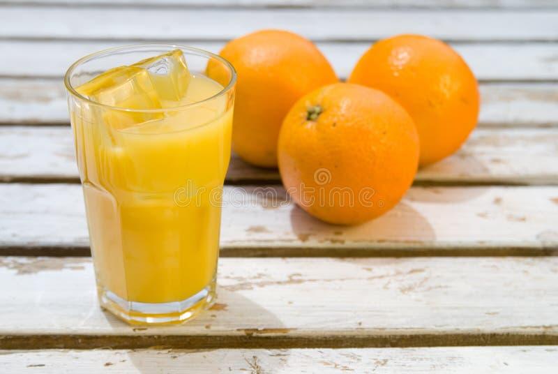 变冷的汁液桔子 库存图片